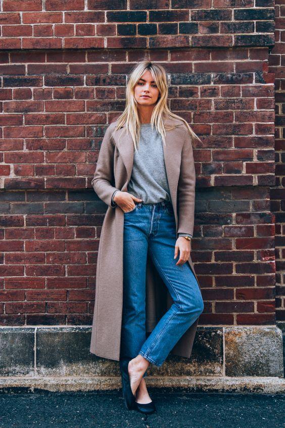 Mom jeans pode ser usada com casacos oversized