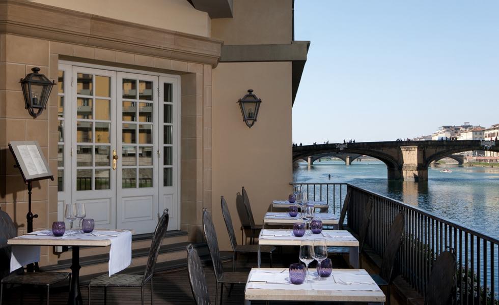 Vista do hotel de luxo Lungarno, em Florença
