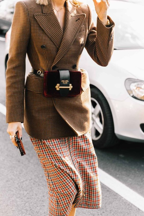 Use blazer com saias midi