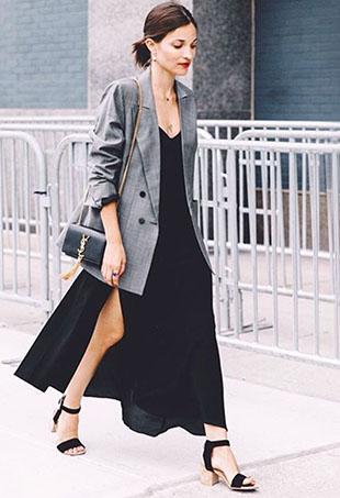 mulher vestindo slip dress com blazer