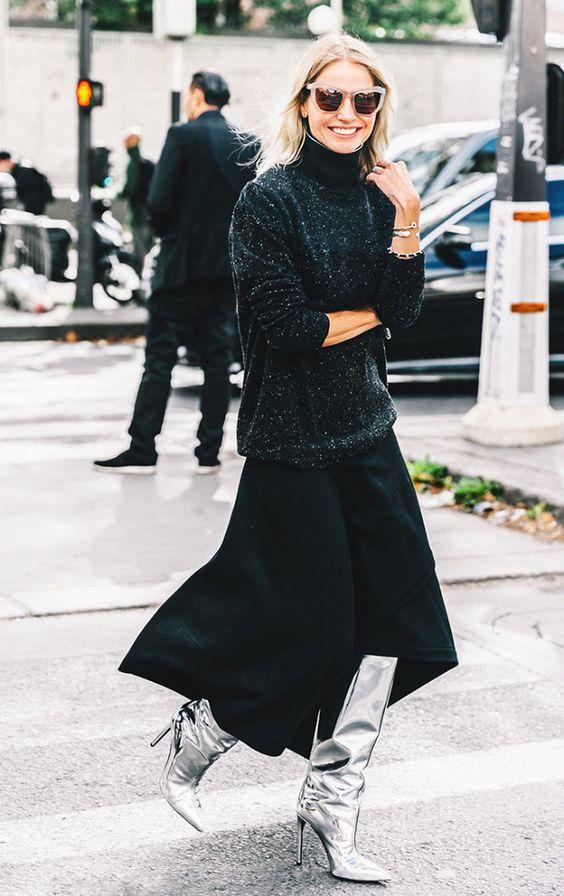 Botas 2018: mulher com bota slouchy prateada com look preto