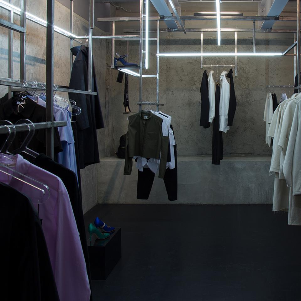 LN-CC é concept store com visual futurista em Londres